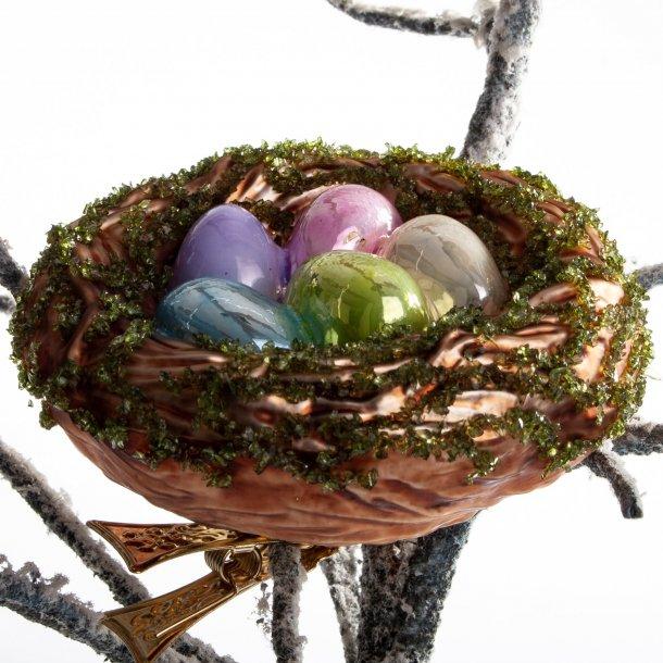 .Fuglerede med æg